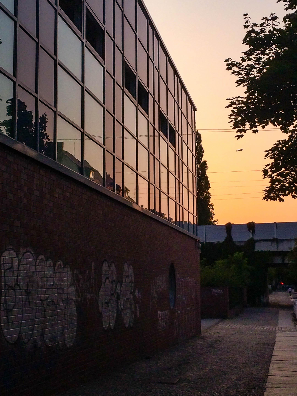Die Wiesel-Arena in der Abenddämmerung